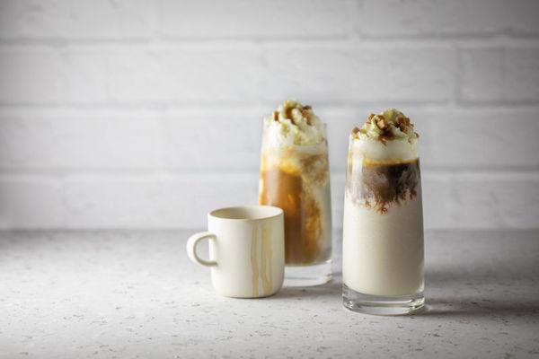 Espresso Frappé se slaným karamelem